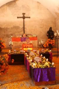 Muertos-Altar-file000891443277-199x300